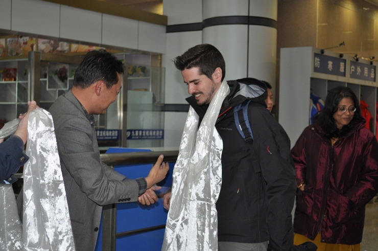 Welcome from local authorities at Sichuan airport