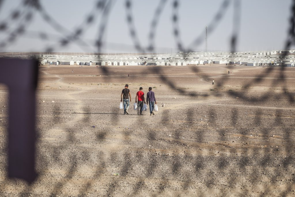 The Azraq camp in the middle of nowhere. Picture by Baptiste Collard.