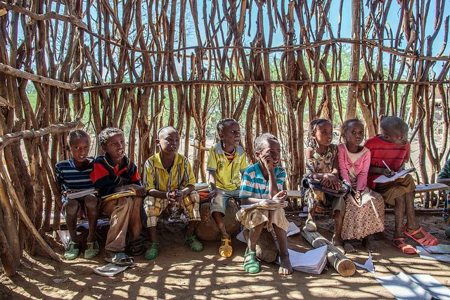 A community supported school is in action outside Awash in Afar Region of Ethiopia 27 November 2013. © UNICEF